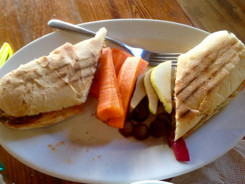Urban+Farmhouse%27s+early+spring+menu+features+the+Q+Bleu+Chicken+sandwich.