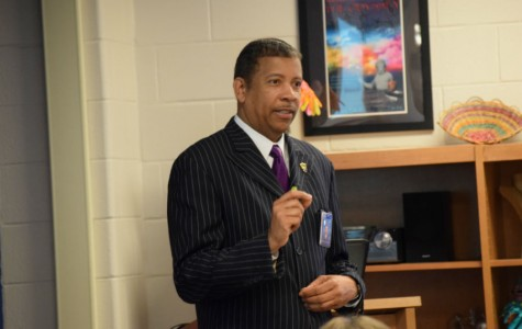 Dr. Newsome Visits Service Learning Students