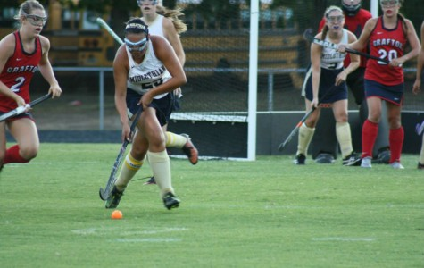 Frankie Urcia gears herself up for a pass down field.