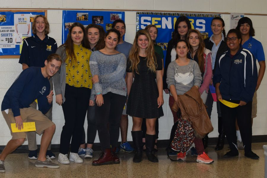 French+students+get+ready+for+their+two+weeks+at+Midlo.