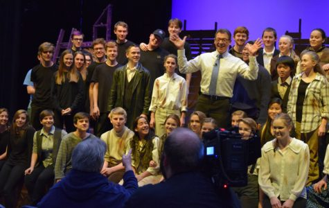 Rob Cardwell does his signature Jazz hand outro with the cast and crew of Peter and the Starcatcher.