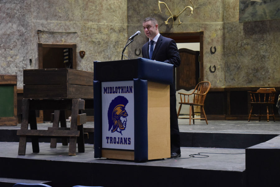 Career Detective Chris Rizzuti speaks about honesty as a keynote speaker at the Core Values assembly.