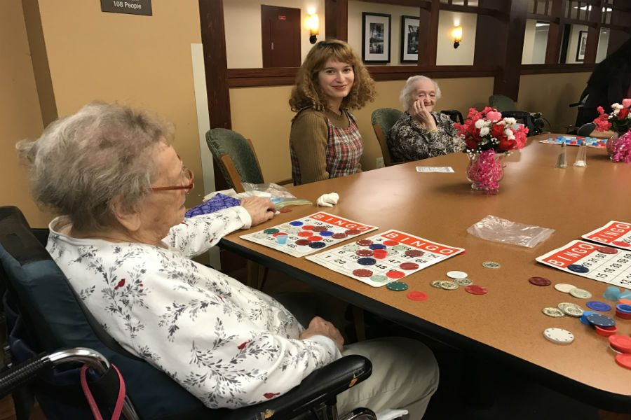 Marion+Cline+teaches+French+bingo+phrases+to+residents++of+Lexington+Court+Nursing+Home.