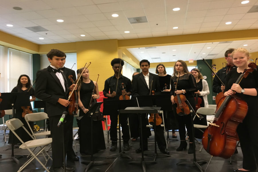 Members+of+Trojan+Orchestra+receive+a+roar+of+applause+after+a+fantastic+performance.+