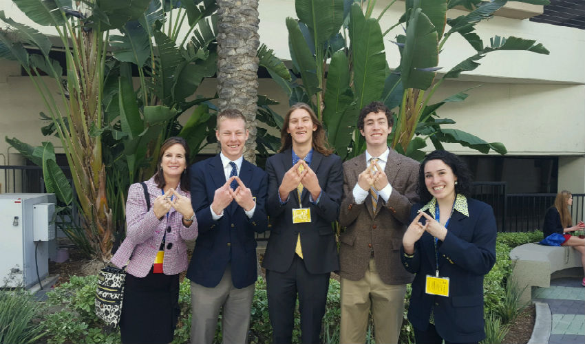 Mrs. Manheim, Jack Stid, Andy Hayes, Jay Gonzalez, and Bethany Crisp love DECA!