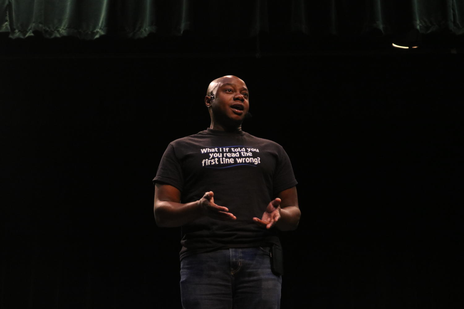 Dr.+Mykee+Flowlin+visited+Midlothian+High+during+Teacher+Work+Week+to+talk+to+the+faculty+members+of+Midlo%2C+Monacan%2C+James+River%2C+and+Manchester+about+diversity+and+compassion.