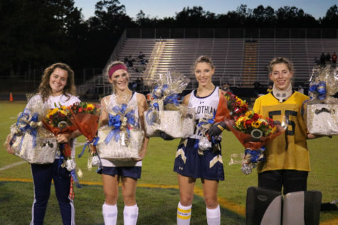 Midlo Field Hockey Celebrates Seniors
