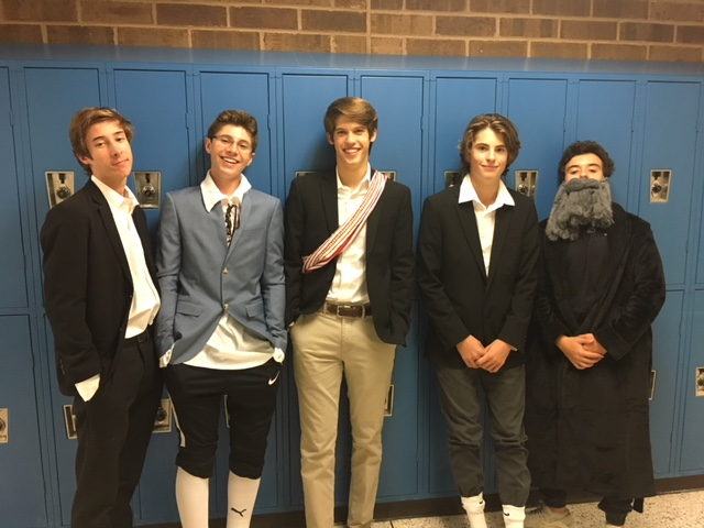 Ethan+Smith%2C+Brandon+Plascha%2C+Alex+Kyte%2C+Ryan+South%2C+and+Christian+Quaglano+represent+historic+figures+from+the+Enlightenment+Age.+%0A