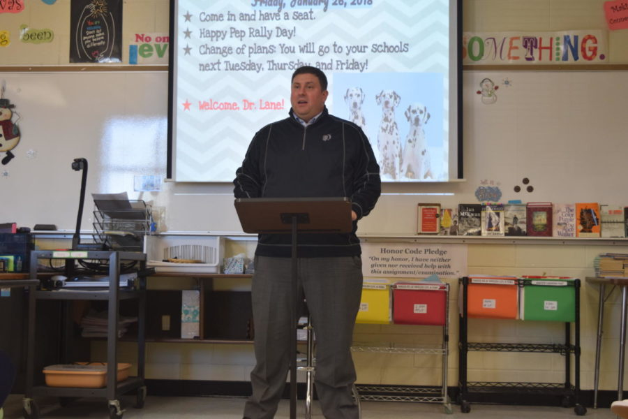 CCPS+Superintendent+traveled+to+Midlothian+High+School+to+speak+to+Mrs.+Tully%27s+Service+Learning+class.