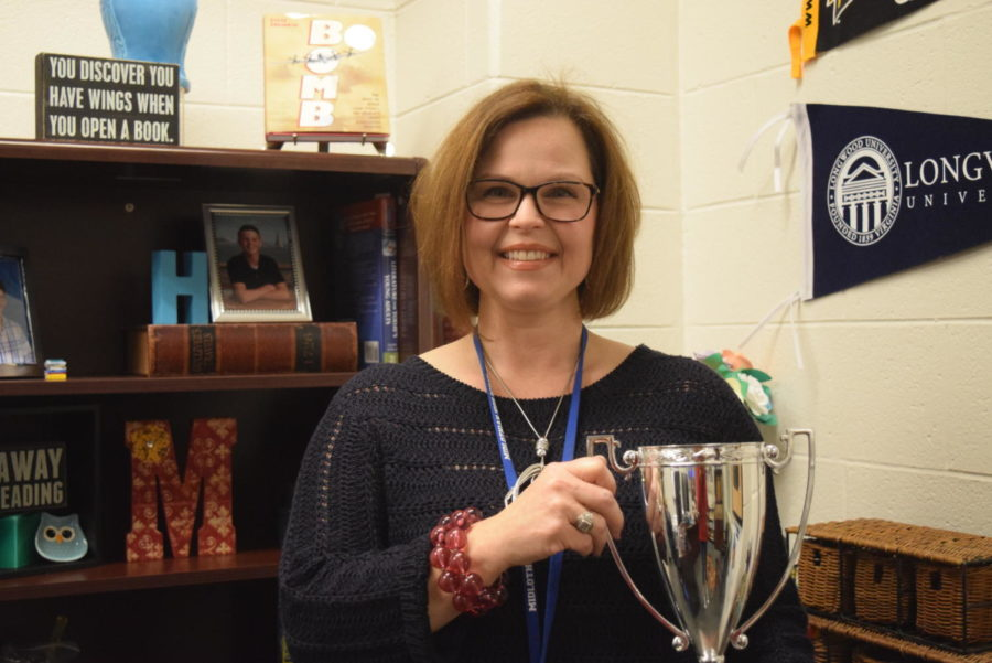 Mrs.+Murfee+celebrates+her+Teachers+Recognizing+Teachers+award.