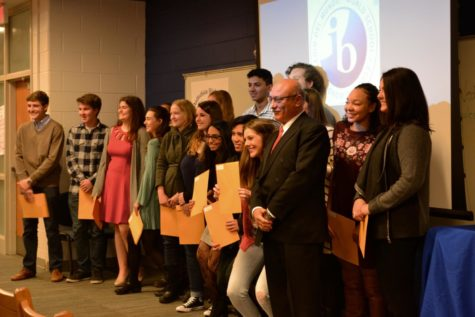IB Class of 2017 Students Return to Receive Diplomas