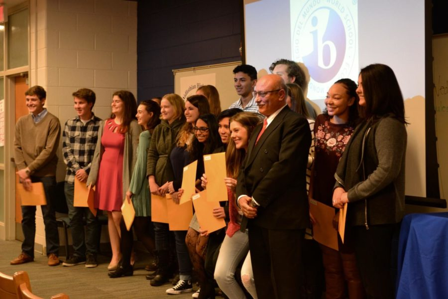 The+IB+Class+of+2017+stand+with+their+IB+Diplomas+%26+Certificates+in+hand.