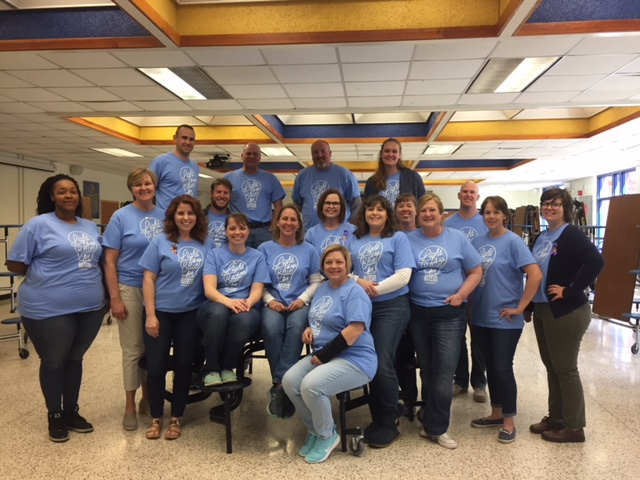 On+April+20%2C+members+of+the+Midlothian+High+School+faculty+and+staff+wore+blue+to+support+children+with+autism.