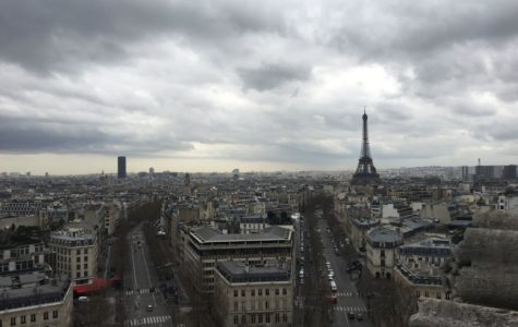 A capture of the city on top of the Arc de Triomphe