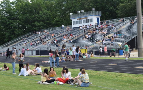 Midlo students gather onto the football field for the annual SCA picnic.
