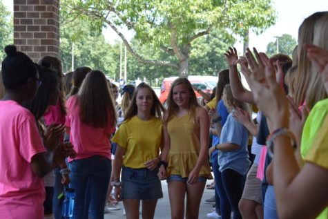 Incoming Freshmen Receive a Warm Welcome