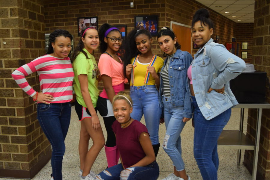 2018 Homecoming Spirit Week: Throwback Thursday