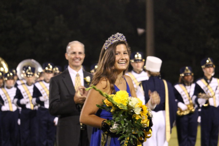 2018 Homecoming Queen : Eleanor Ross.