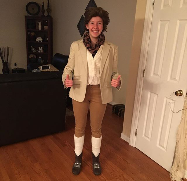 Chloe+Martin+adorns+her+costume+as+Jean-Jacques+Rousseau+for+the+Enlightenment+PBL.