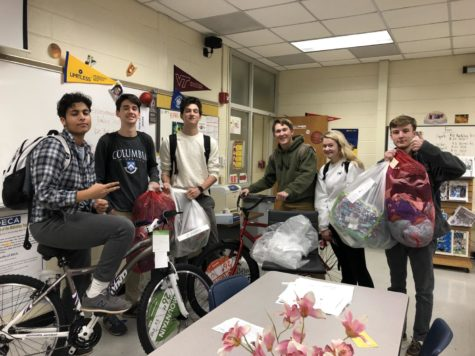 Spirit Club Gives Back to the Community