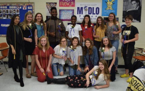 New and returning members of Quill and Scroll combine to represent journalism at Midlothian High School.