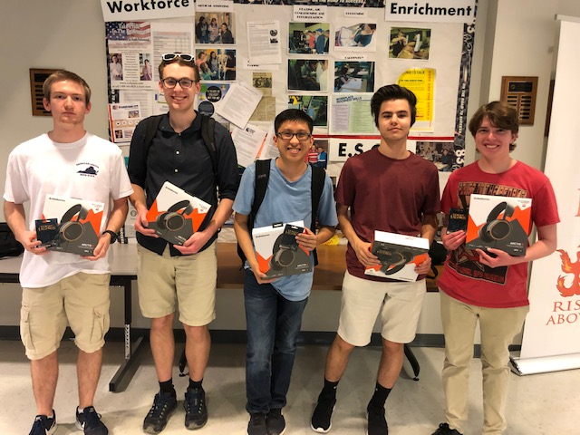 Midlo Students Win Gaming Tournament