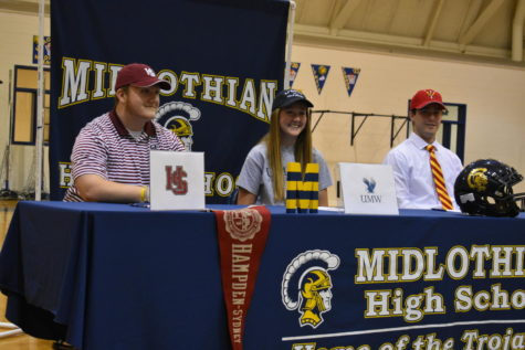 Six Midlo Athletes Sign Letters of Intent