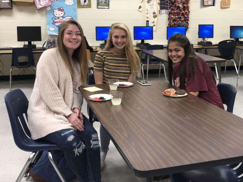 Out of Mrs Manheim's four Sports Marketing classes,  Alina McMahon,Charlie Wilkinson, Effie Xyrogos, and Jackson Boyd (not pictured) won the March Madness Competition.