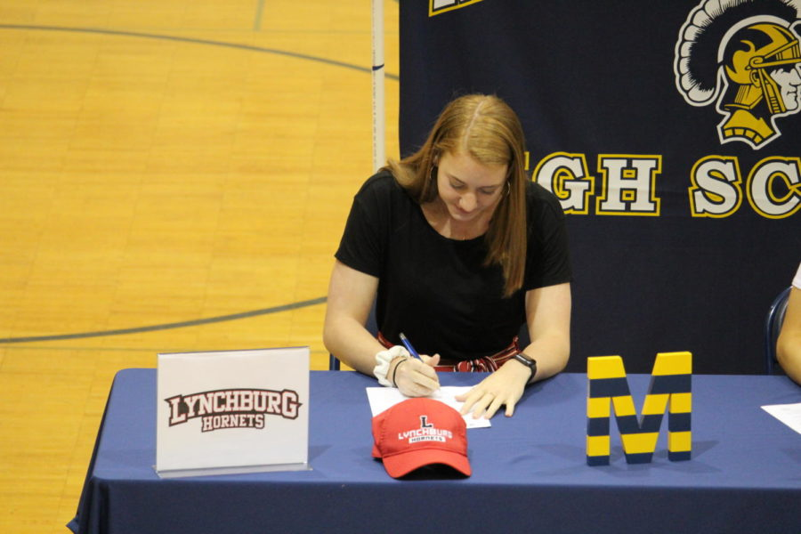 On+April+17.+2019%2C+Abbi+Leeper+signs+to+play+volleyball+at+Lynchburg.