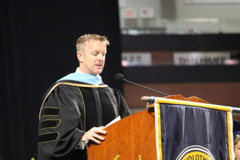 Dr. Shawn Abel leads the Midlothian community at the Class of 2019 Graduation.