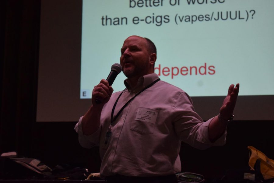 Eric+Faw+speaks+of+the+dangers+of+e-cigarettes+to+the+Midlo+Class+of+2023+at+the+Anti-Vaping+Assembly.