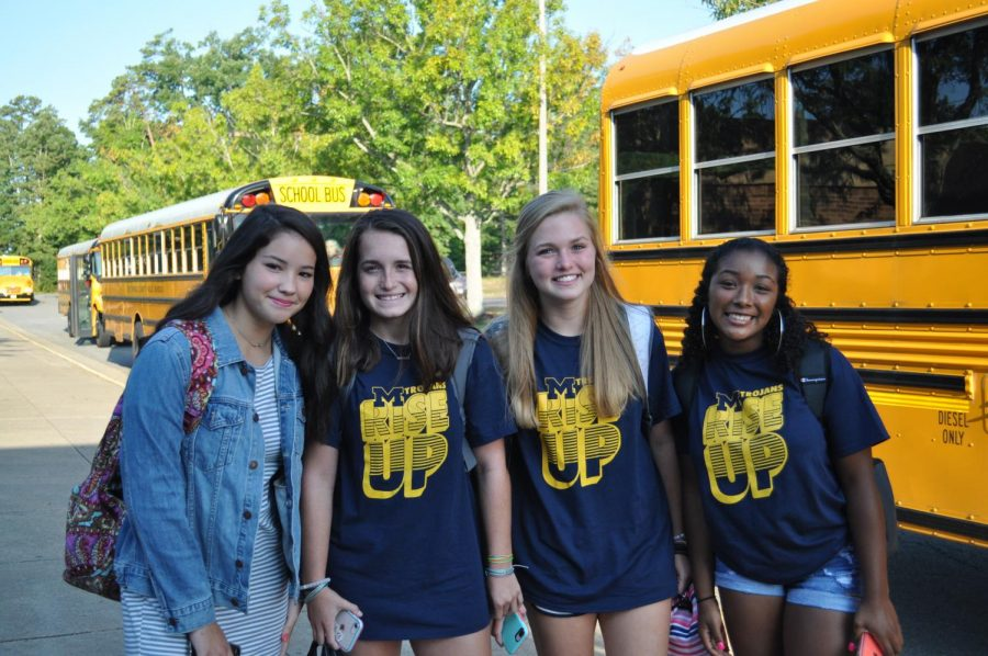 Sidekicks welcome incoming freshmen & transfer students