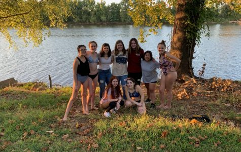 Freshman gather in front of the James River during the IB Welcome Picnic.