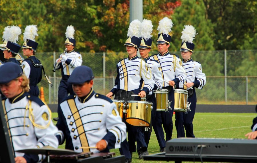 Midlothian%27s+drumline+shows+their+talent+at+the+Showcase+of+Bands.