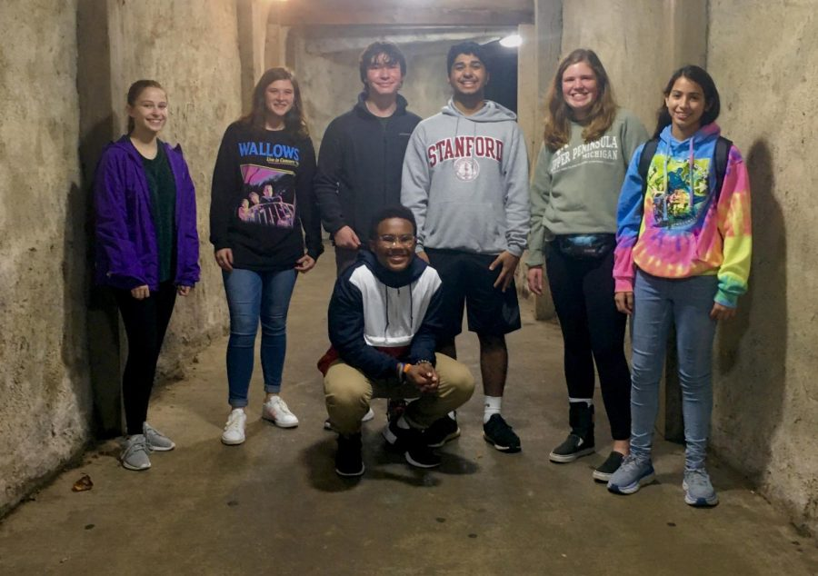 Freshmen Ava Gay, Abby Walsh, Ben Karp, Cameron Penn, Anosh Pithawalla, Ellie Pippeneger, and Sariah Cutri, roam through Kings Dominion after dark at Halloween Haunt.