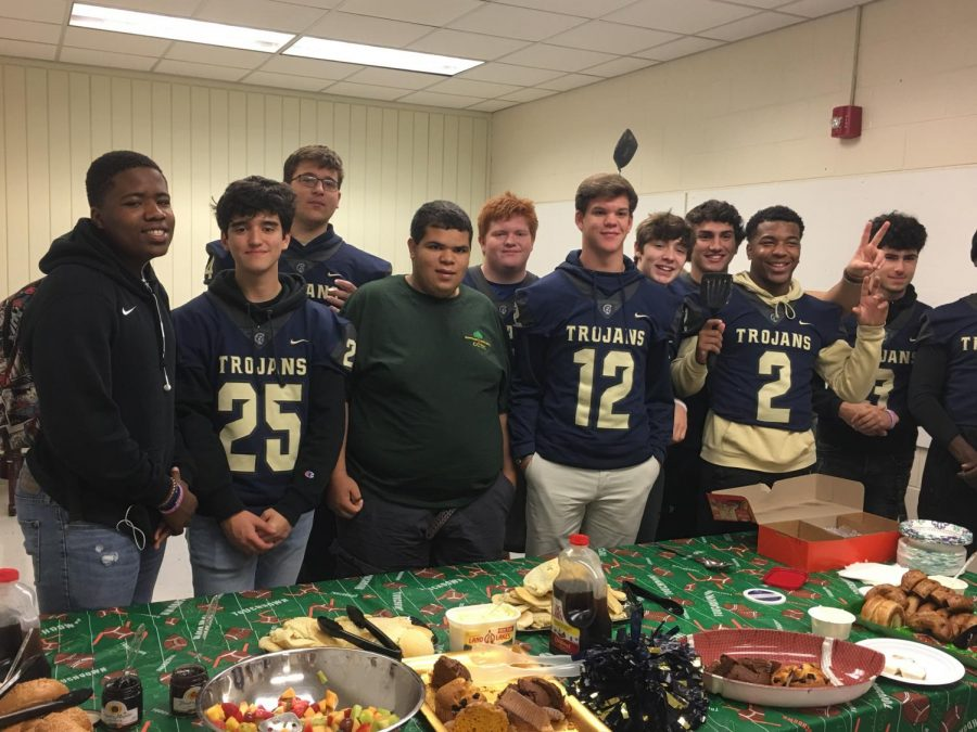 On+Friday%2C+November+2%2C+2019%2C+Midlo+football+hosted+a+faculty+appreciation+breakfast%2C+and+senior+players+gave+their+jerseys+to+their+favorite+teachers+to+celebrate+the+final+regular+season+home+game.+