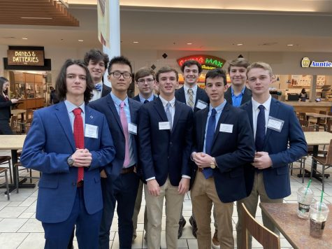 Midlo seniors enjoy the food court after competing at DECA DLC.