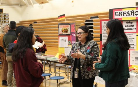 Dr. Szwabowski explains the benefits of taking Spanish at the 2020 Scheduling Night.