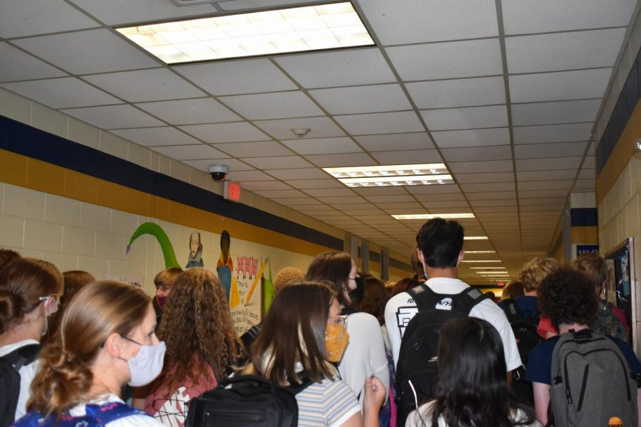 Midlo administrators put one-way hallways into effect in an effort to alleviate traffic jams.