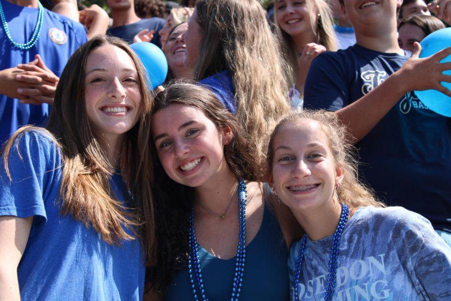 Juniors Amelia Rawlings, Elizabeth Riley and Elaina Sanz display their Midlo spirit.